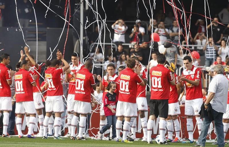 Resultado de imagem para Em milésimo jogo de Rogério Ceni, São Paulo vence Atlético-MG no Morumbi